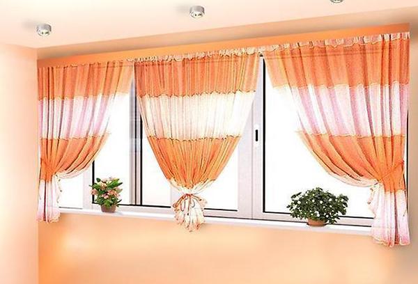 Укороченные шторы для гостиной