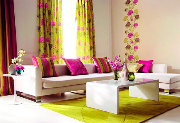 Яркий текстиль в оформлении гостиной