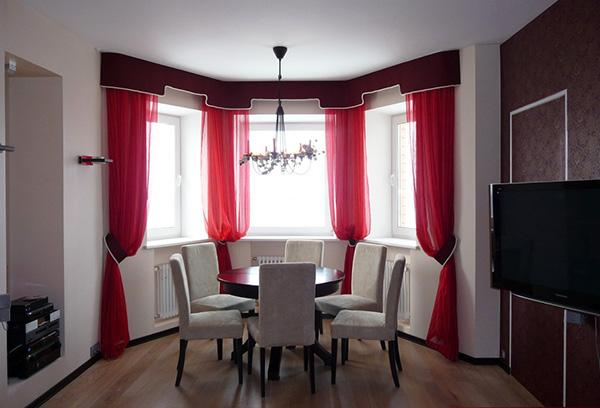 Оформление эркерных окон с помощью гибкого карниза для штор