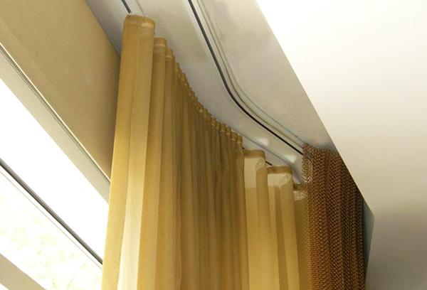 Профильный карниз для штор с горизонтальным изгибом