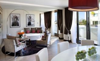 Как выбрать шторы в гостиную в современном стиле?