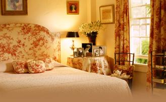 Как пошить шторы своими руками для спальни: подробная инструкция