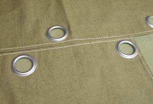 Где и для каких целей применяются  шторы из брезента?