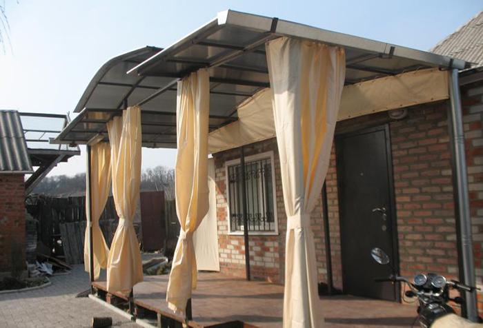 Брезентовые шторы для беседки