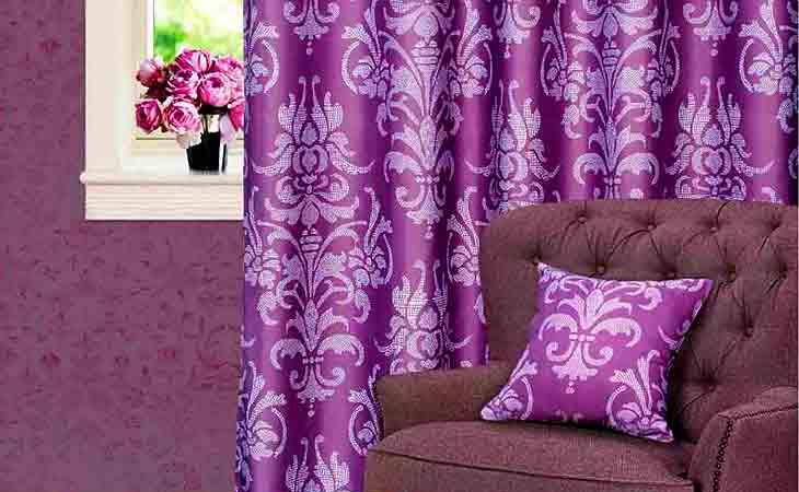 Фиолетовые шторы и текстиль