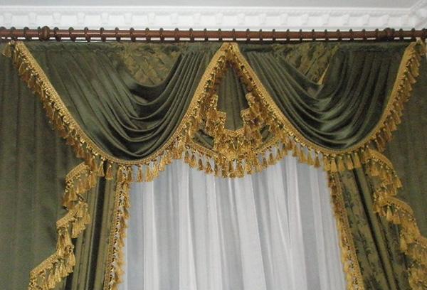 Ламбрекен для зала в стиле барокко