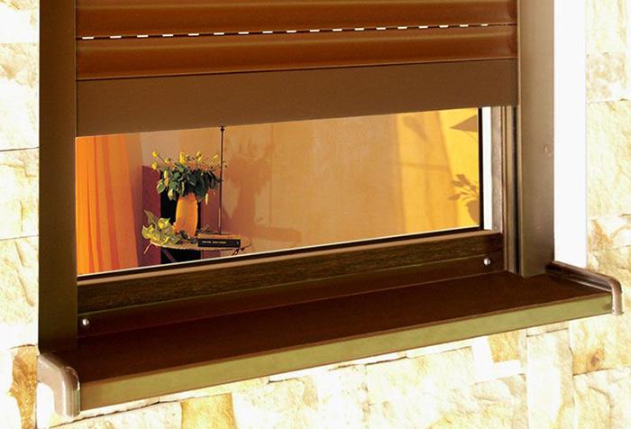 Наружная ролета на окно