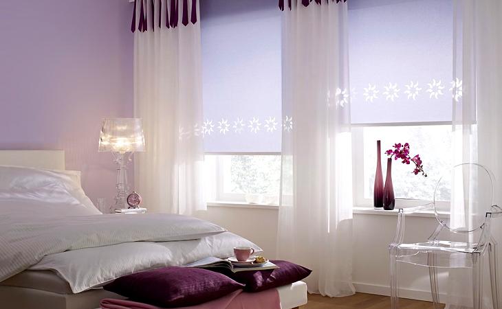 Легкие шторы в интерьере спальни