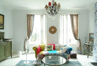 Выбор штор для гостиной на два окна: секреты и советы