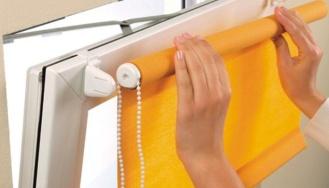 Преимущества и особенности эксплуатации рулонных штор для кухни