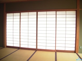 Особенности и преимущества японских штор панельного типа
