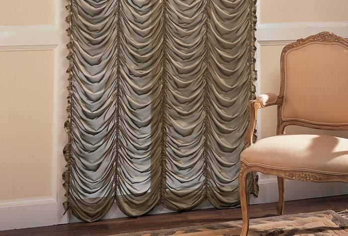 Французские шторы из прозрачного серого шелка