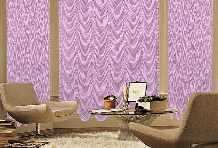 Необычные французские шторы в современной гостиной