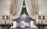 Итальянские шторы в интерьере спальни