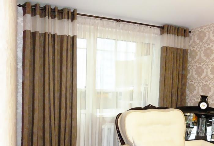 Контрастные поперечные вставки на шторах