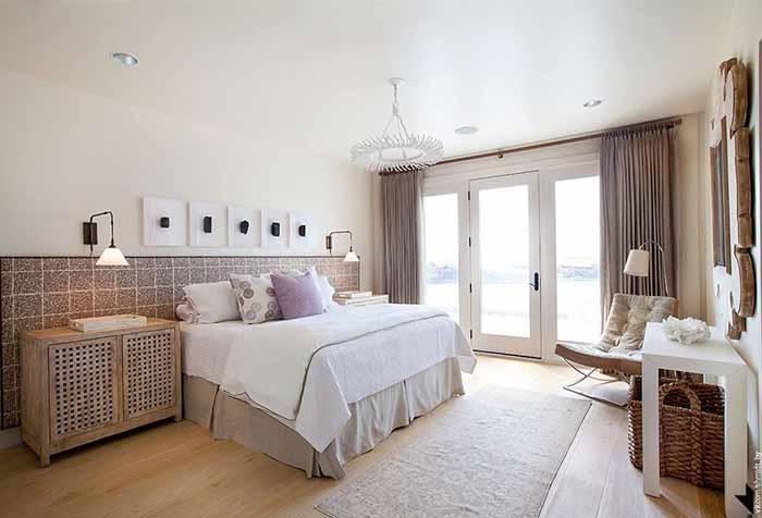 Портьеры в спальне нейтральных цветов