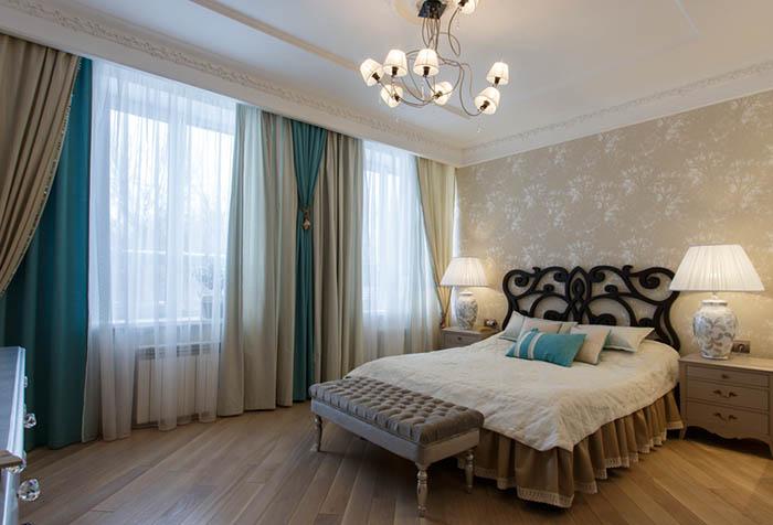 Плотные льняные портьеры в спальне