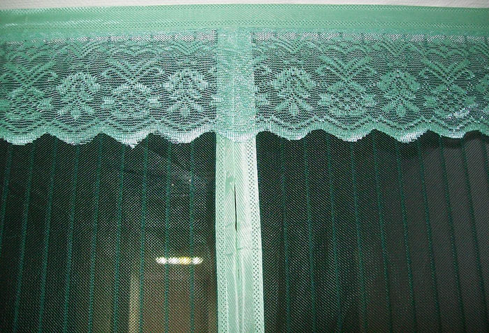 Антимоскитная штора на магнитах с декоративной отделкой