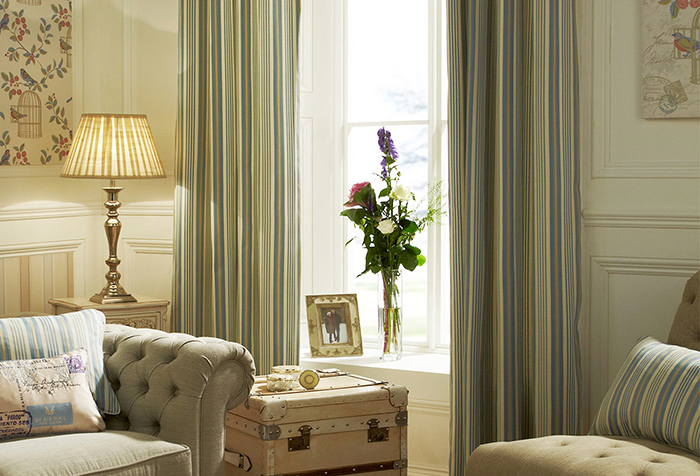Соответствие портьер и декоративных подушек