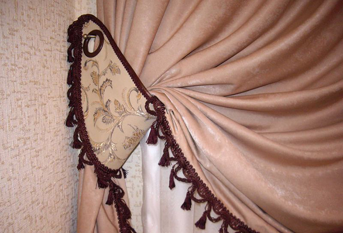 Тканевая подвязка для шторы