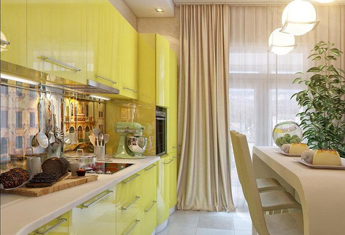 Портьера песочного цвета в интерьере кухни