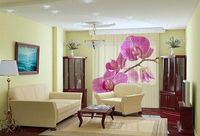Жалюзи с изображением орхидеи в интерьере гостиной