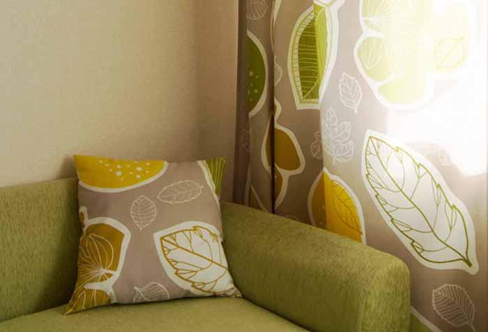 Соответствие расцветки шторы домашнему текстилю