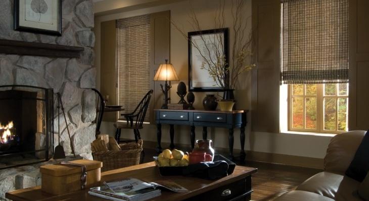 Шторы из бамбука в интерьере гостиной