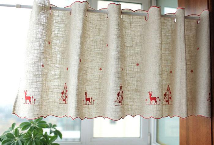 Короткая штора в стиле прованс из натурального льна с вышивкой