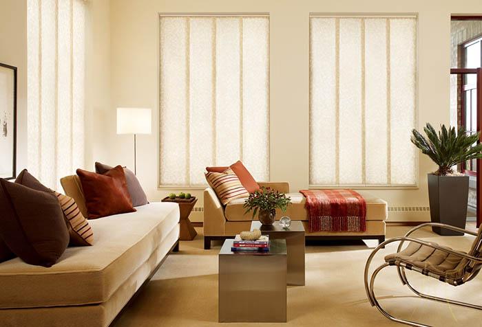 Японские шторы в интерьере зала