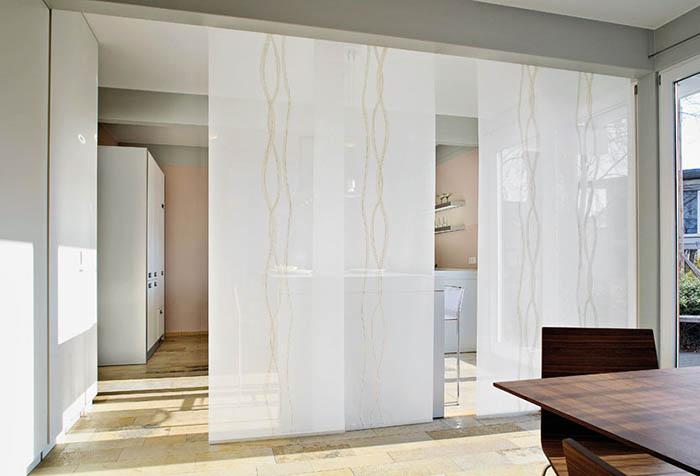 Светлые японские шторы