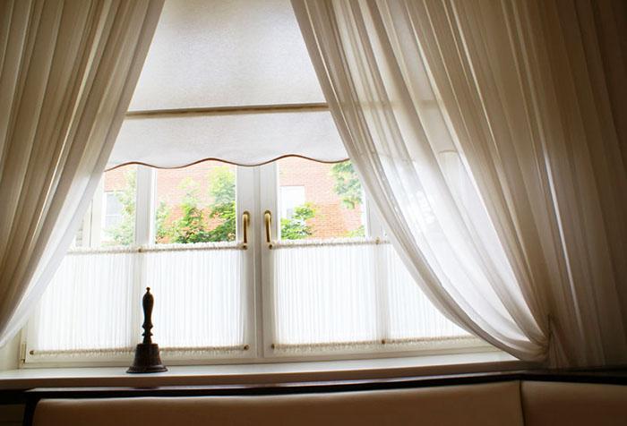 Гардины из вуали в сочетании с другими видами штор