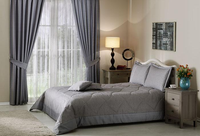 Портьеры с гардиной в спальне