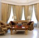 Классические портьеры в гостиной