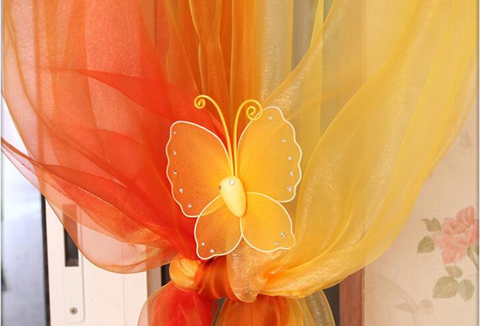 С чем комбинировать шторы оранжевого цвета?