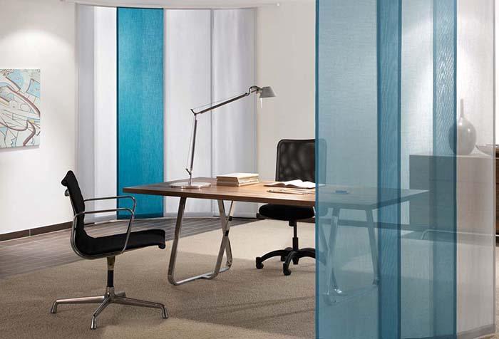 Панельные шторы в офисе