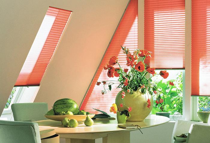 Шторы плиссе на окнах нестандартной формы