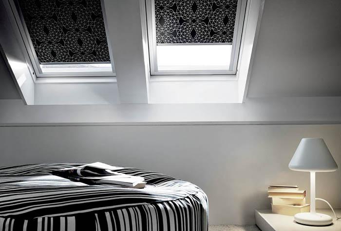 Рулонные шторы в интерьере мансарды