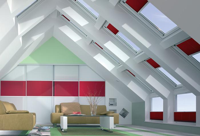 Красные рулонные шторы для мансардных окон