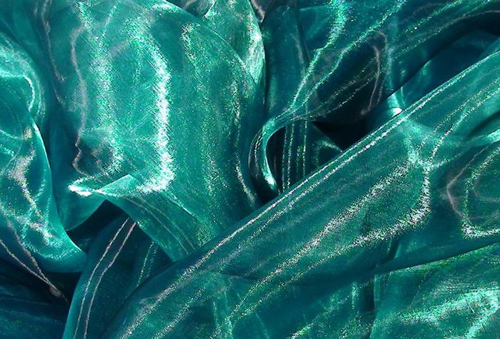 Блестящая органза цвета морской волны