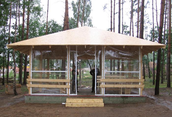 Прозрачные уличные шторы из ПВХ