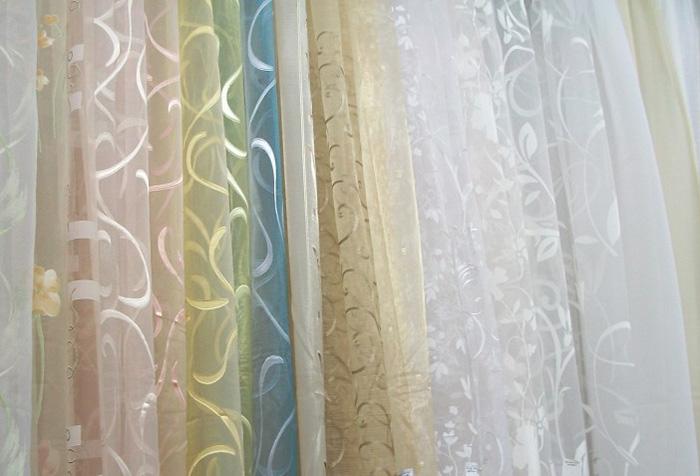 Выбор органзы для пошива кухонных штор
