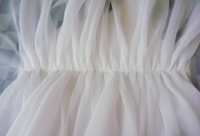 Сборки на тюлевой шторе
