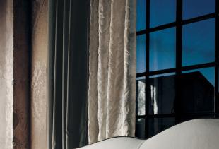 Достоинства, недостатки и особенности бархатных штор