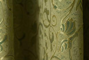 Шторы из гобеленовых полотен: виды и применение в разных стилях