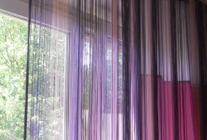 Нитяная штора в сочетании с портьерой