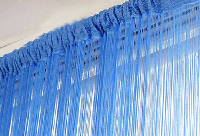 Крепление шторы из нитей к трубчатому карнизу