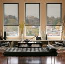 Полупрозрачные рулонные шторы в современном интерьере