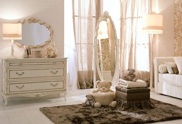 Комната с легкими шторами для девочки