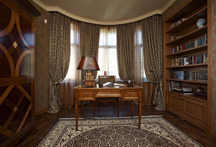 Эркерные окна в кабинете